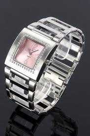 Ženske ročne ure, neprecenljiv pripomoček in zelo uporaben modni dodatek