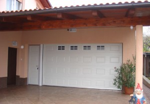 Garažna vrata imajo različne sisteme za odpiranje