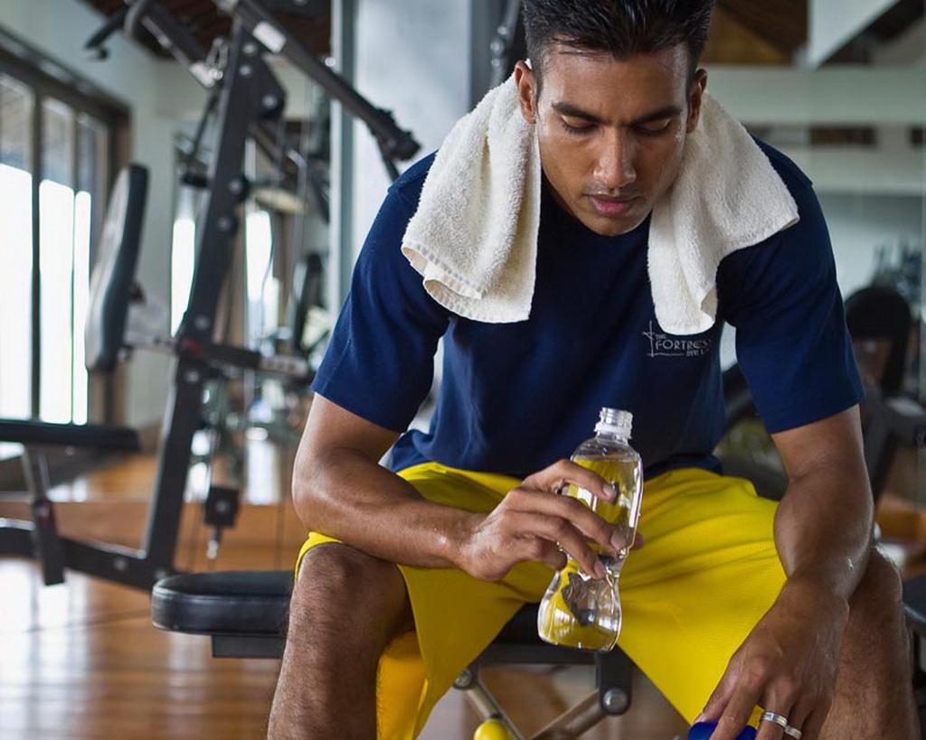 Vse lastnosti kvalitetnega oblačila za fitnes