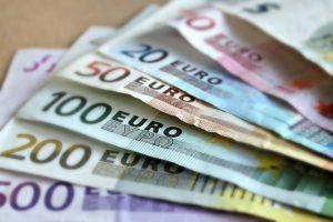 Varčevanja omogočajo različne finančne ustanove
