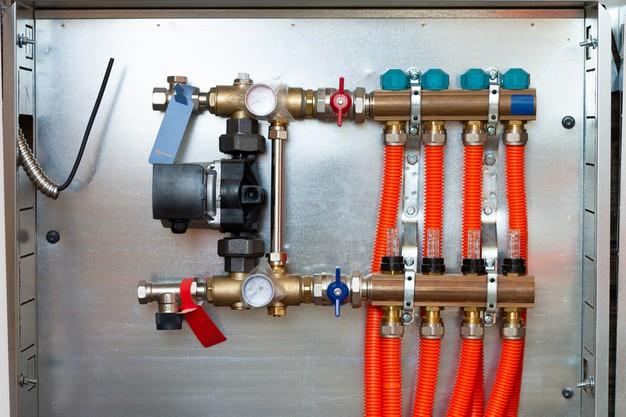 Oprema za ogrevanje in hlajenje vode